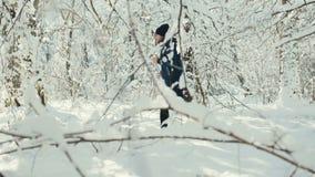 Formação do inverno exterior vídeos de arquivo