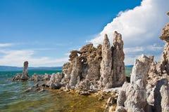 Formação do tufo no mono lago, Califormia fotografia de stock