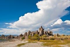 Formação do tufo no mono lago, Califormia fotos de stock