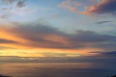 Formação espetacular das nuvens no por do sol imagens de stock royalty free