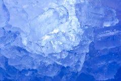 Formação suíça azul profunda dos sincelos das montanhas Fotos de Stock