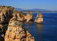Formações bonitas do penhasco, costa atlântica, Lagos, Portugal ocidental Imagens de Stock Royalty Free