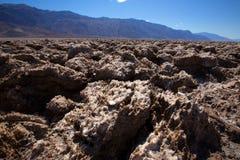 Formações da argila de sal do Vale da Morte do campo de golfe dos diabos Fotografia de Stock Royalty Free