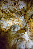 Formações da estalactite e do estalagmite na caverna de Crimeia Imagens de Stock Royalty Free