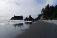 Formações de rocha no parque nacional olímpico EUA fotos de stock