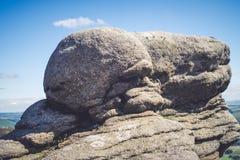 Formações de rocha no vale no parque nacional do distrito máximo, Derbyshire da esperança Imagem de Stock Royalty Free