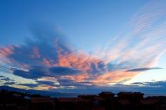 Formações originais da nuvem em Spain foto de stock