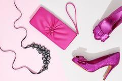 Forma Acessórios da roupa ajustados equipamento mínimo fotos de stock