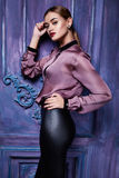 Forma atractiva hermosa del cuerpo de la muchacha del vestido de la colección de la ropa de la mujer Imagen de archivo