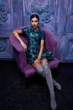 Forma atractiva hermosa del cuerpo de la muchacha del vestido de la colección de la ropa de la mujer Fotos de archivo libres de regalías