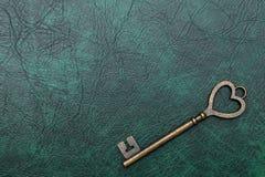 Forma chiave d'annata del cuore Immagini Stock Libere da Diritti