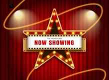 Forma da estrela do sinal do teatro na cortina fotos de stock royalty free