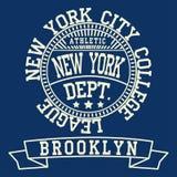 Forma da tipografia de New York Brooklyn, t-shirt Fotografia de Stock Royalty Free