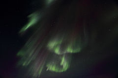 Forma das cortinas do whith da aurora boreal Fotos de Stock Royalty Free