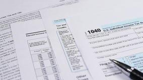 Forma de impuesto 1040 metrajes