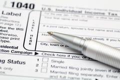 Forma de impuesto detallada de las deducciones fotos de archivo libres de regalías