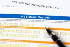 Forma de informe de accidente del seguro del motor o de coche Foto de archivo libre de regalías