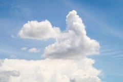 Forma de la nube del conejo en el cielo Imagen de archivo libre de regalías