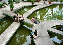 Forma de vida de la gente asiática joven en urbano Fotografía de archivo libre de regalías