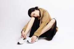 Forma de vida, moda y concepto de la gente: Moda completa w de los jóvenes del cuerpo Foto de archivo libre de regalías