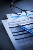 Forma del certificado médico Fotografía de archivo