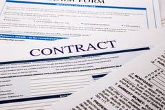 Forma del contratto Fotografia Stock Libera da Diritti