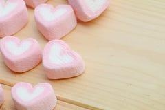 Forma del corazón en fondo de madera Fotografía de archivo libre de regalías