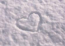 Forma del cuore su neve Fotografie Stock Libere da Diritti
