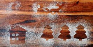 Forma del dolce dell'albero di abete e del cottage del pan di zenzero Immagini Stock Libere da Diritti