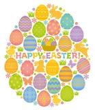 Forma del huevo de Pascua con los huevos, los conejitos y los polluelos de Pascua.