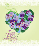 A forma do coração é feita de flores bonitas Fotografia de Stock