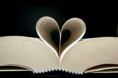 Forma do coração com livro Imagens de Stock Royalty Free