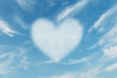 Forma do coração da nuvem Fotos de Stock Royalty Free