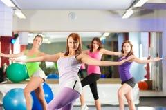 Forma fisica - addestramento e allenamento in ginnastica Fotografia Stock