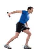 Forma fisica di allenamento di addestramento del peso di esercitazione dell'uomo Immagini Stock Libere da Diritti