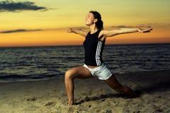 Forma fisica sulla spiaggia. Fotografia Stock