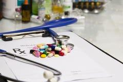 Forma medica della roba di prescrizione del farmacista Immagine Stock Libera da Diritti