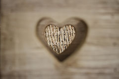 Forma tagliata del cuore su fondo di legno Fotografia Stock Libera da Diritti