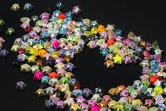 Forma vacía del corazón por las estrellas del plegamiento del papel Imágenes de archivo libres de regalías
