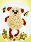 Forma vegetal creativa del oso de la cena de la comida Foto de archivo libre de regalías