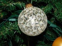 Forma velha Lacey Christmas Ornament ilustração do vetor
