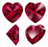 Forma vermelha do coração do rubi isolada Imagens de Stock