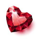 Forma vermelha isolada brilhante do coração do rubi com sombra sobre Foto de Stock Royalty Free