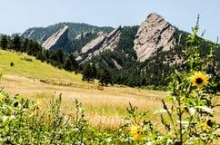 Formación de roca de las planchas Boulder Colorado Imagenes de archivo