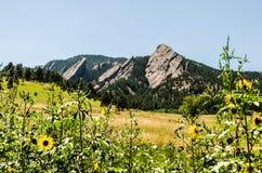 Formación de roca de las planchas Boulder Colorado Imagen de archivo libre de regalías