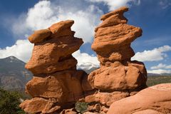 Formación de roca de los gemelos siameses Imagenes de archivo