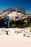 Formación de roca de Sassolungo, dolomías, Italia. imagenes de archivo