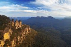 Formación de roca de tres hermanas, montañas azules, Australia fotos de archivo