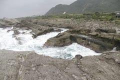 Formación de roca del silbido de bala del Ti de Shi en Taiwán Imágenes de archivo libres de regalías