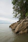Formación de roca en la boca de la garganta de Sanyati, lago Kariba Imagen de archivo